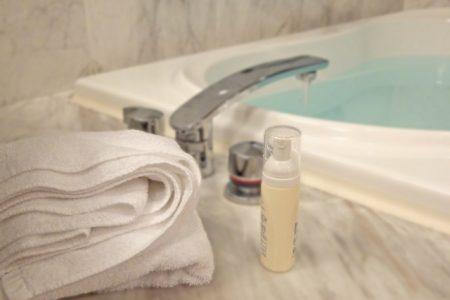 半身浴のメリットはデトックス効果?温度や全身浴の違いについて解説
